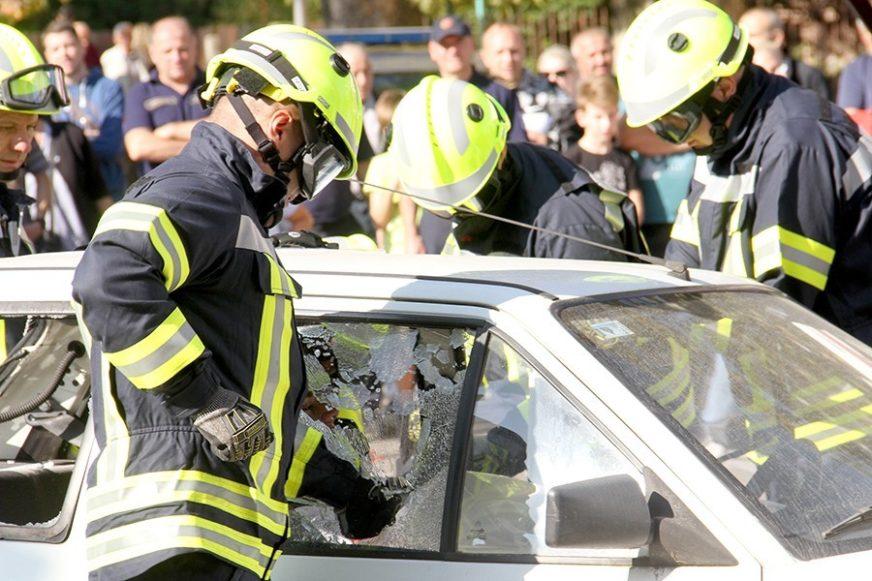 "IZGORIO ""FORD"" Neispravne električne instalacije izazvale požar na automobilu"