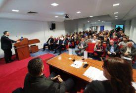 VELIŠA MALOBABIĆ IZABRAN ZA PREDSJEDNIKA Održana prva Skupština banjaluckog GO POLIGRAF