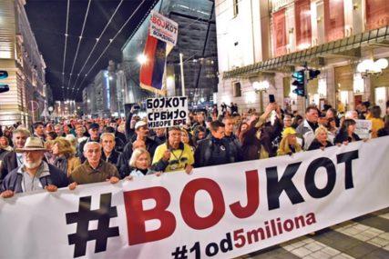 """52. PROTEST """"1 OD 5 MILIONA"""" """"Hrabri ljudi, šetamo već okruglo godinu dana"""""""