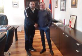 MLADOST GLAMOČANI Zahvalnost Karapetroviću