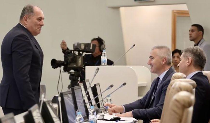 NEMA RASPRAVE O DOKUMENTU ZA NATO Poslanici tvrde da je Program reformi zaključan u sefovima