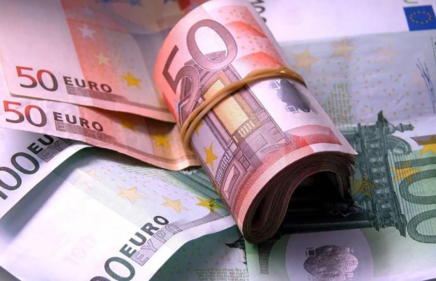 SVAKI GRAĐANIN IMA DVIJE HILJADE EVRA Za deceniju štednja u OVOJ ZEMLJI porasla za 651 milion evra