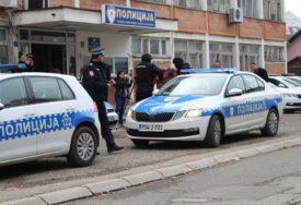 """RAZBIJANJE NARKO GRUPE Uhapšeni u akciji """"Merlin 2"""" privedeni u PU Gradiška (FOTO)"""