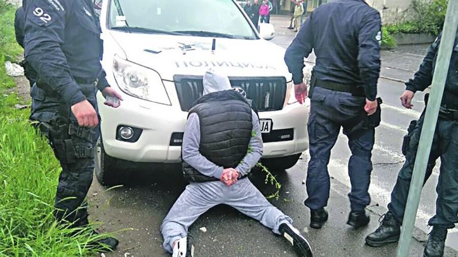 """PAO U AKCIJI """"PERLA"""" U Gradiški uhapšena osoba kod koje je pronađeno vojno naoružanje"""