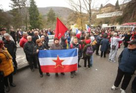 """PARTIZANI OKUPIRALI JAJCE """"Smrt fašizmu, čuvajte nam Jugoslaviju"""" (VIDEO, FOTO)"""