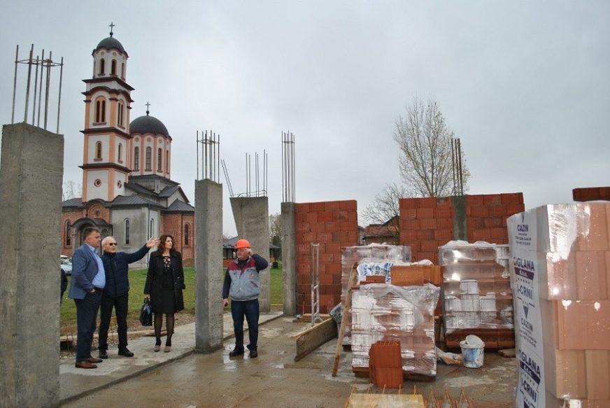BOLJI USLOVI ZA ŽIVOT U PRIGRADSKIM NASELJIMA Niču vrtić u Brestovčini i društveni dom u Kruškiku
