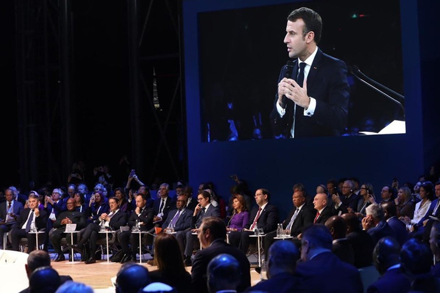 "KOMŠIĆ PREKORIO MAKRONA NA CRVENOM TEPIHU ""Vaša izjava nije tačna, uznemirili ste građane BiH"" (VIDEO)"