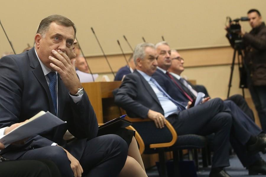SRPSKAINFO SAZNAJE Šarović i Borenović ne idu na sastanak kod Dodika
