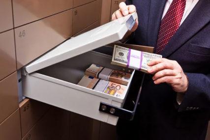 OJADILA KLIJENTE ZA 178.000 MARAKA Bankarska službenica optužena za zloupotrebu položaja