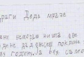 """""""MENI NE MORAŠ NIŠTA"""" Pismo upućeno Djeda Mrazu RASPLAKALO društvene mreže (FOTO)"""