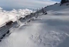 SNIMIO SOPSTVENU SMRT Stigao do vrha planine, a onda je sve KRENULO PO ZLU (VIDEO)