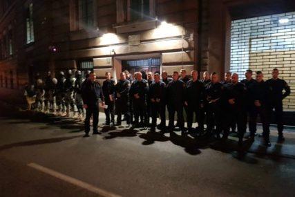 ZATVOR POD OPSADOM Policija uz pomoć pasa tri sata pretresala ćelije u KPZ Sarajevo