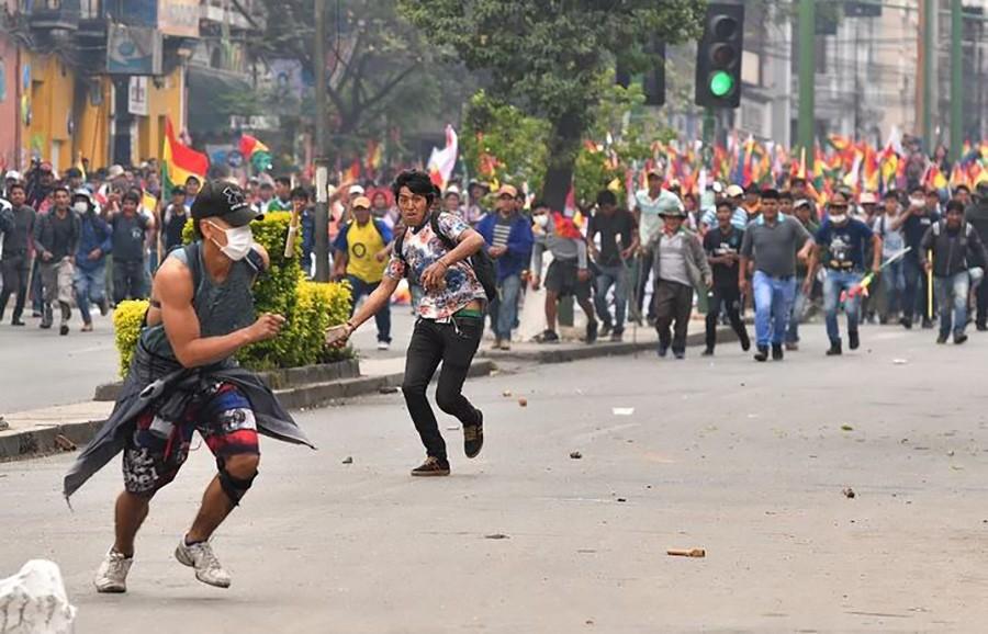 SUKOBI U BOLIVIJI U okršaju policije i demonstranata osam mrtvih, desetine povrijeđenih (FOTO)