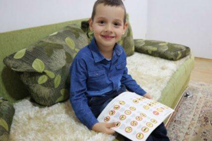 ČUDO OD DJETETA Petogodišnjak iz Srebrenice zna više SAOBRAĆAJNIH ZNAKOVA od mnogih vozača