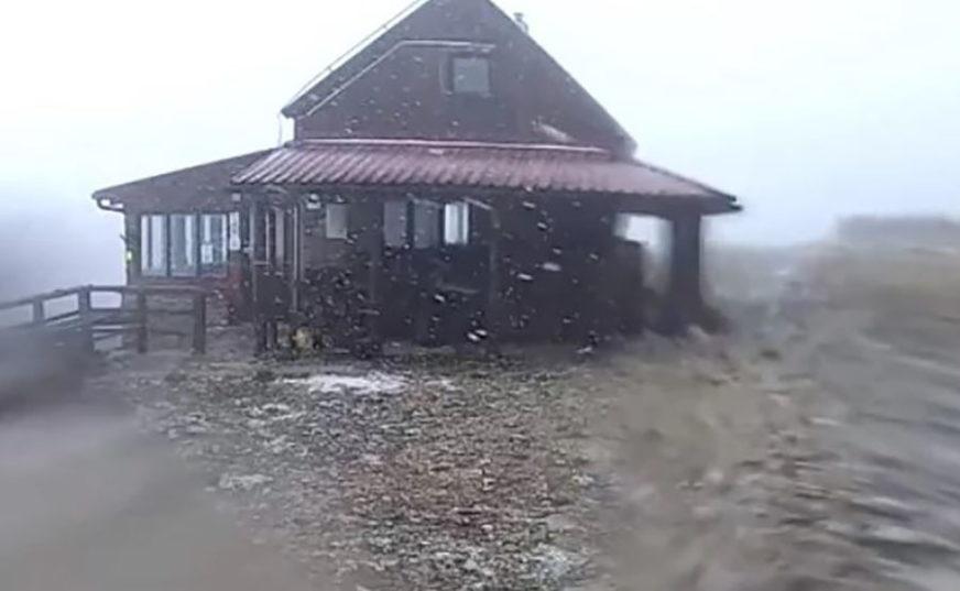 PAHULJE I U DALMACIJI Stigao hladni talas, bijele se Velebit, Dinara, Kamešnica i Biokovo (FOTO)
