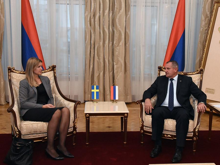 Višković sa ambasadorom Švedske: Neformiranje vlasti negativno utiče na nastavak reformi