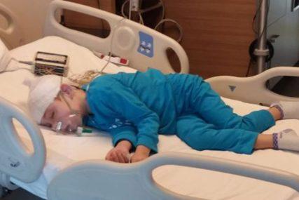 LIJEPE VIJESTI ZA MALIŠANA I NJEGOVU PORODICU Dječak Tarik (7) dobio potrebne lijekove sa carine