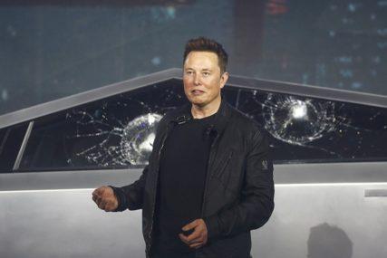 Tesla povlači 285.000 električnih automobila iz Kine