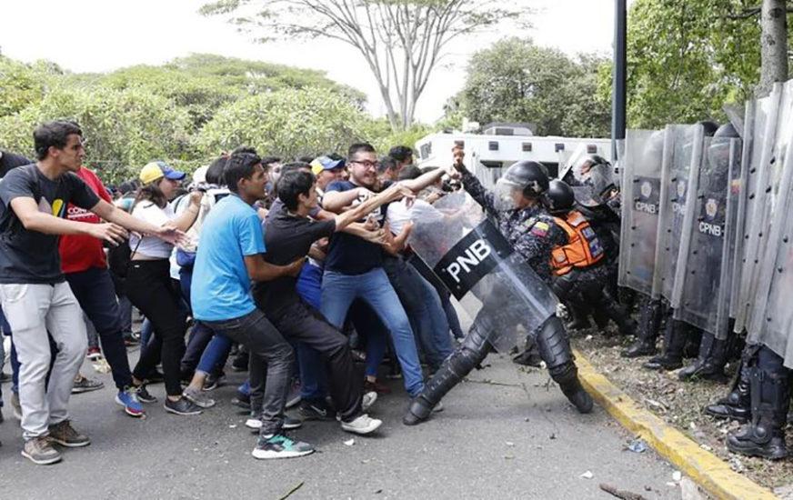 RASTU TENZIJE U VENECUELI Sukob studenata i policije u poslije govora Gvaida (VIDEO)