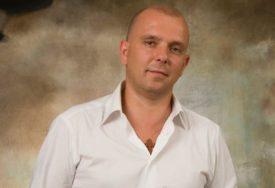"""Zoran Pećanac o svom romanu """"Zapadno od sreće"""": Ljubav ljudi različite nacionalnosti uvijek će biti na vjetrometini"""