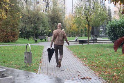NIGDJE BEZ KIŠOBRANA Danas u BiH oblačno sa kišom, svježije nego juče