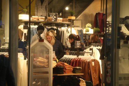 Najveći pad kod obuće i odjeće: U aprilu cijene u Republici Srpskoj niže za 0,7 odsto od martovskih