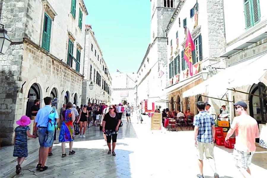 Radikalan potez: Dubrovnik razmatra da donese odluku koja će RAZBJESNITI TURISTE I MJEŠTANE