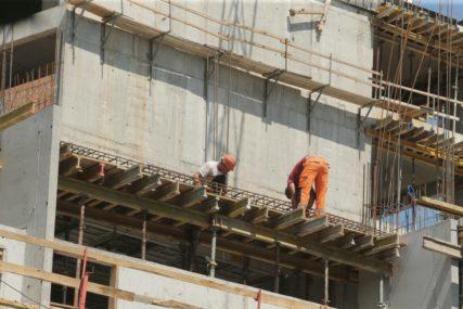 ODLAZAK RADNIKA PODIGAO CIJENE NA TENDERIMA Prolongirana realizacija više infrastrukturnih projekata