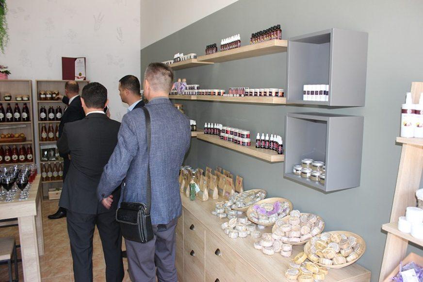 """Otvorena """"Hercegovačka radionica"""": Kozmetika i ljekoviti preparati dar hercegovačkog bilja"""