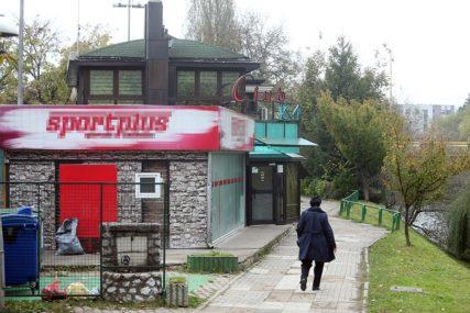 SVAĐA KULMINIRALA PESNIČENJEM Pretukao gosta, a onda njega istukao vlasnik kafića u Banjaluci