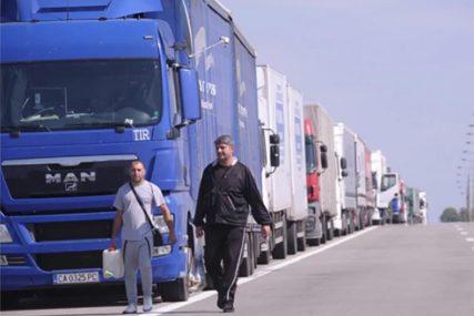"""KRITIČAN NEDOSTATAK Britanija se sprema da """"uveze"""" 5.000 vozača samo da bi sanirali problem nabavke"""