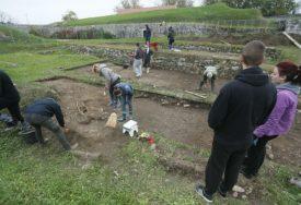 Korona nije zaustavila OTKRIVANJE TAJNI koje čuvaju zidine tvrđave: Kastel vječna misterija za istraživače