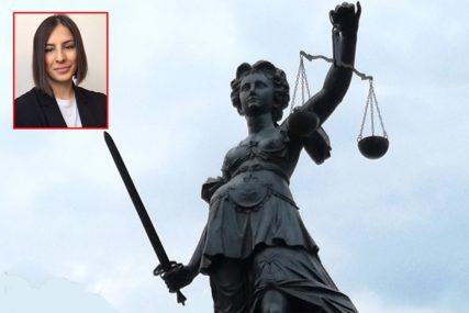Pravda pod pritiskom