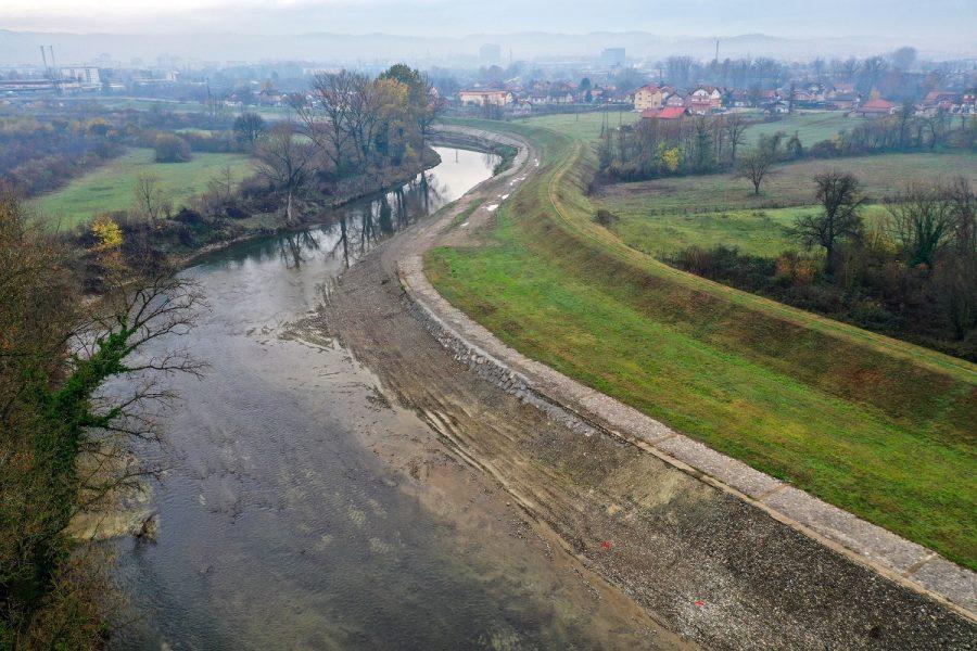 Popravljena oštećenja na nasipu u Česmi nastala u poplavama 2014. godine