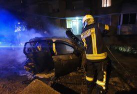 """GORIO """"MERCEDES"""" Još jedan automobil planuo u Mostaru"""