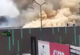 PRISKOČILI U POMOĆ Vatrogasci iz Teslića gasili veliki požar u Tešnju (FOTO)