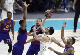 DERBI PUN PREOKRETA Real slavio protiv Barselone