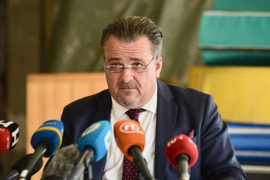 DIREKTOR ZAPLAKAO Salić: Ispitaću da li je i ko vezao djecu i biće kažnjen