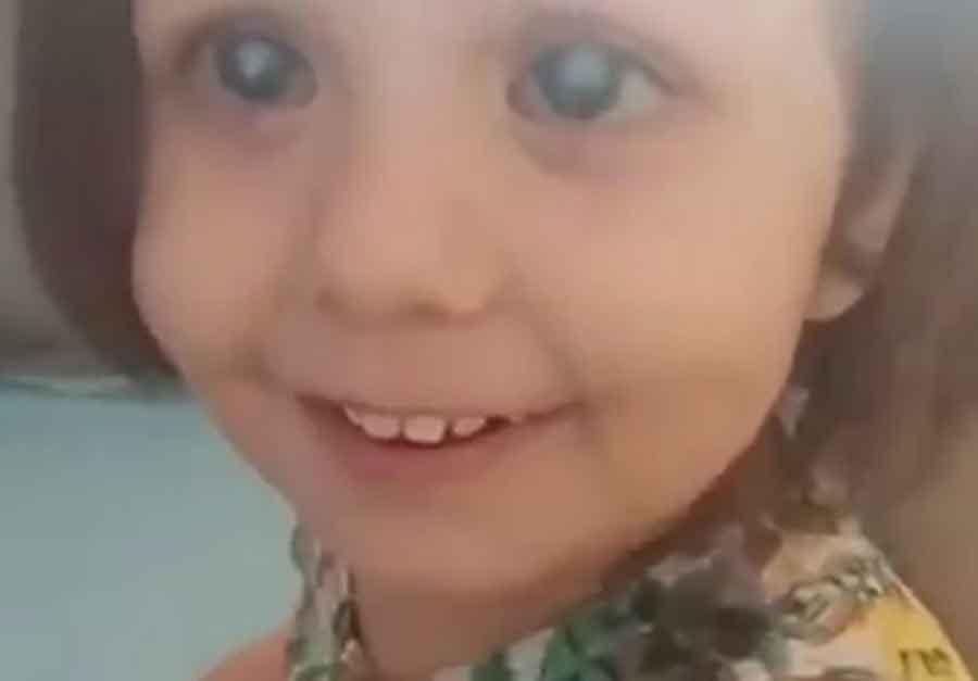 JAKO EMOTIVNO Djevojčica nakon operacije prvi put vidjela majku, njena reakcija OSVAJA (VIDEO)