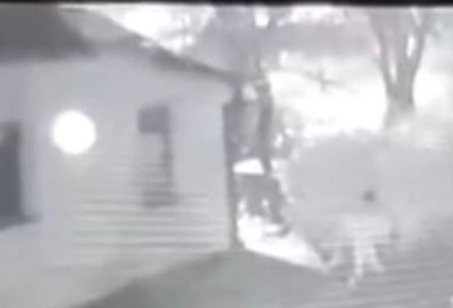 JEZIVO Nadzorna kamera u Bihaću snimila čovjeka kako SILUJE PSA