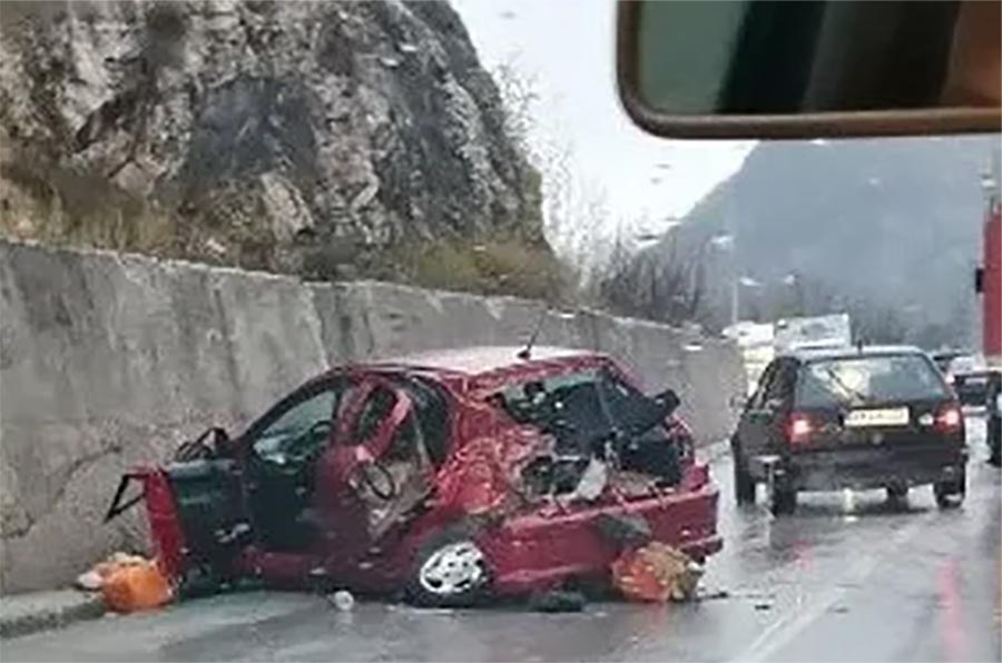 NESREĆA NA PUTU SARAJEVO-PALE Tri osobe povrijeđene u sudaru automobila i teretnog vozila