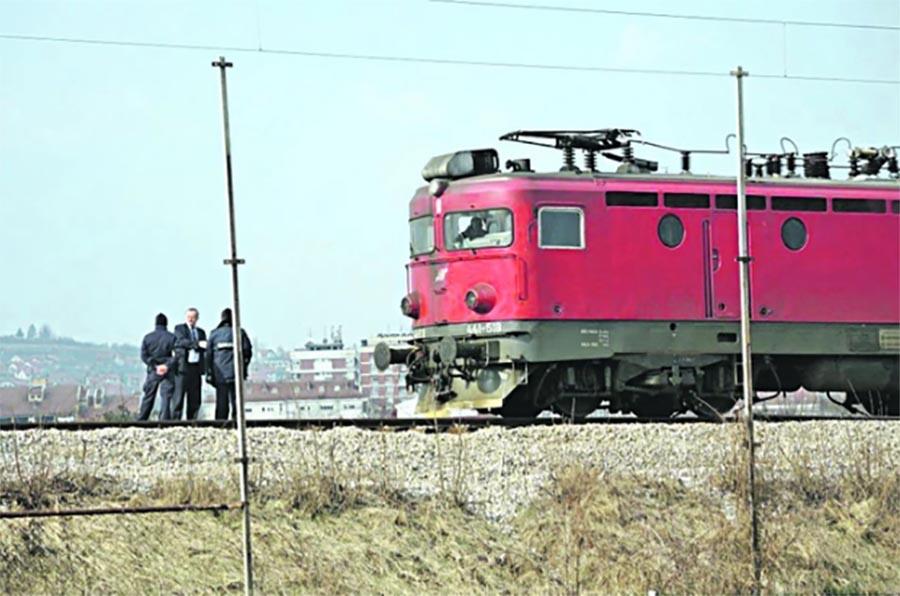 Voz udario djevojku na pružnom prelazu kod Zenice: S teškim povredama prevezena u bolnicu