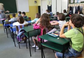 """U BEOGRADU SPREMNI ZA SUDAR ŠKOLE I KORONE Od početka epidemije u """"Mišoviću"""" liječeno skoro 300 djece"""