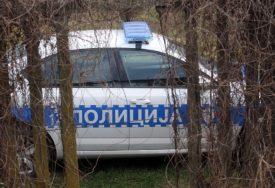 ŠOK U GARAŽI U automobilu pronađeno beživotno tijelo mladića (18)