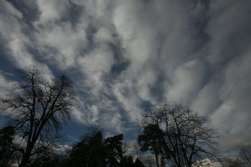 UŽIVAJTE U PRVOM DANU VIKENDA Danas u BiH toplije, slaba kiša na jugu