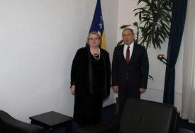 SVI ANGAŽOVANI U BORBI SA KORONA VIRUSOM Turkovićeva od diplomata traži da pomognu nabavku respiratora