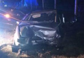 TEŠKI UDES KOD BLAGAJA U sudaru dva vozila povrijeđene četiri osobe