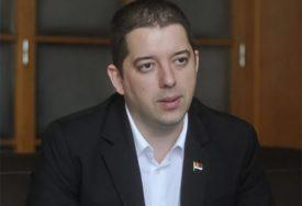 VLADIKA TEODOSIJE ZASUTAVLJEN NA JARINJU Đurić: Bahati čin samovolje vrijeđa naš narod