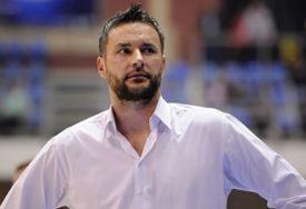 ISTUKAO ŽENU I KĆERKU Milan Gurović OSUĐEN NA 10 MJESECI kućnog zatvora
