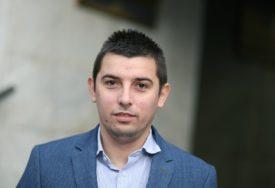 Šulić za SRPSKAINFO: Poslovnik Narodne skupštine krše i vlast i opozicija